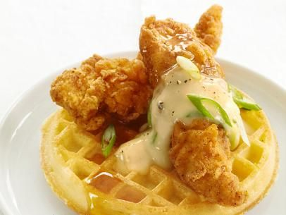 I had my first chicken and waffle dish at The Malibu Cafe (Malibu, CA) and it was amazing. Who knew that chicken and waffles made such a great pair? I guess everyone but myself knew! #Food #Recipe #Restaurant