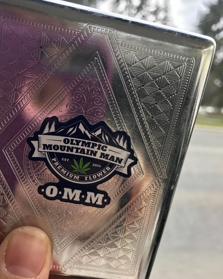 Stickers came just in time for all our locals to get one with any OMM purchase for the holiday tomorrow ❤️💛💚 #sticker #slaps #OMMF #olympicmountainmanfarm #pnw #portangeles #topshelf #legalweed #502 #i502 #recreational #producer #processor #weed...