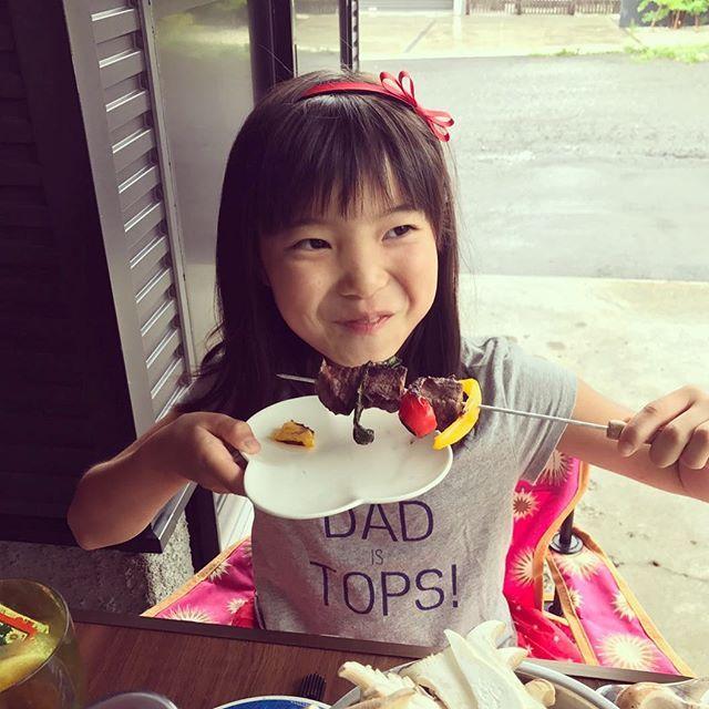 いっぱい遊んでもらってご満悦🏀⚽️🐚🍖💖 #sapporo #hokkaido #bbq #barbeque #daughter #youngestdaughter #肉 #牛串 #白老牛 #パパ #仕込み #札幌 #北海道 #バーベキュー #娘 #末娘 #後輩夫妻 #ありがとう #l4l #lfl #instalike