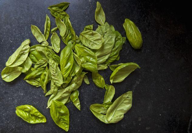 fresh basil pesto | La Cucina Italiana | Pinterest