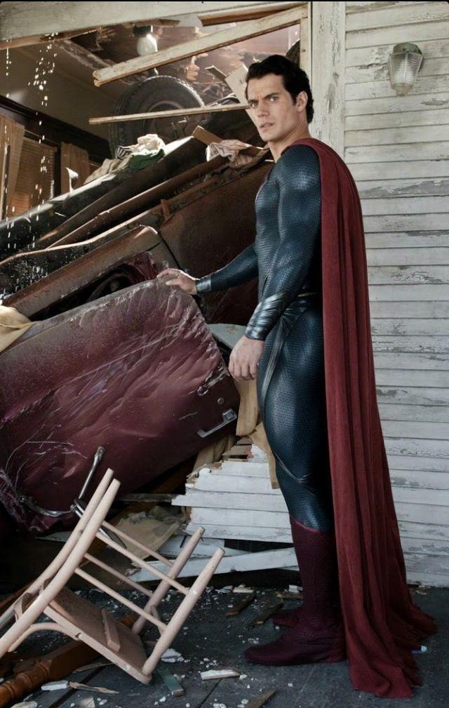 Henry Cavill - Man of Steel Extras