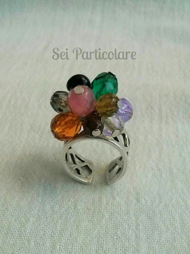 Adjustable ring with bunch of colores glass by Sei Particolare. Find me on Facebook: https://m.facebook.com/seiparticolare/
