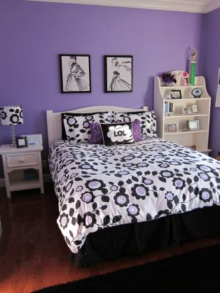 Black and white and purple all over. Nice teen style.