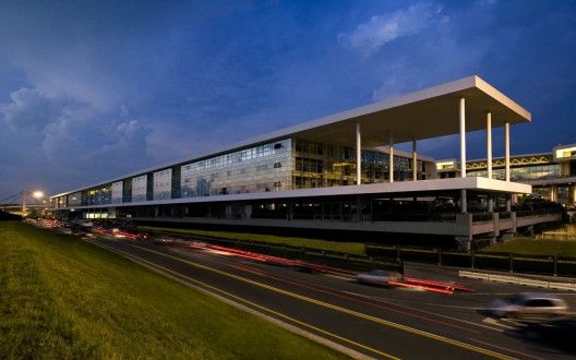 The Sheraton Milan Malpensa Airport Hotel & Conference Centre / King Roselli Architetti