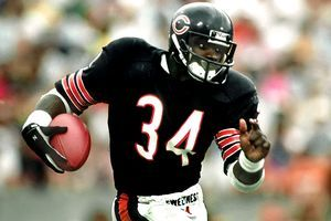 Top Five Running Backs In NFL History - http://www.tsmplug.com/nfl/top-five-running-backs-nfl-history/