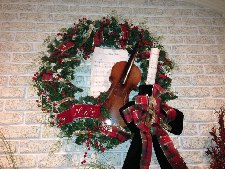 My Christmas Wreath Made It With A Family Heirloom Violin