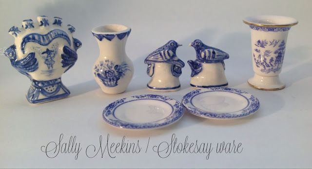 Sally Meekins wonderful porcelain, of which I am the proud owner of a few delicate pieces!! Janne fra landet