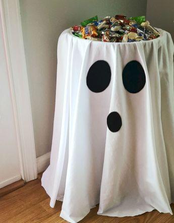 (26) Stunning Halloween Decorations Indoor Ideas