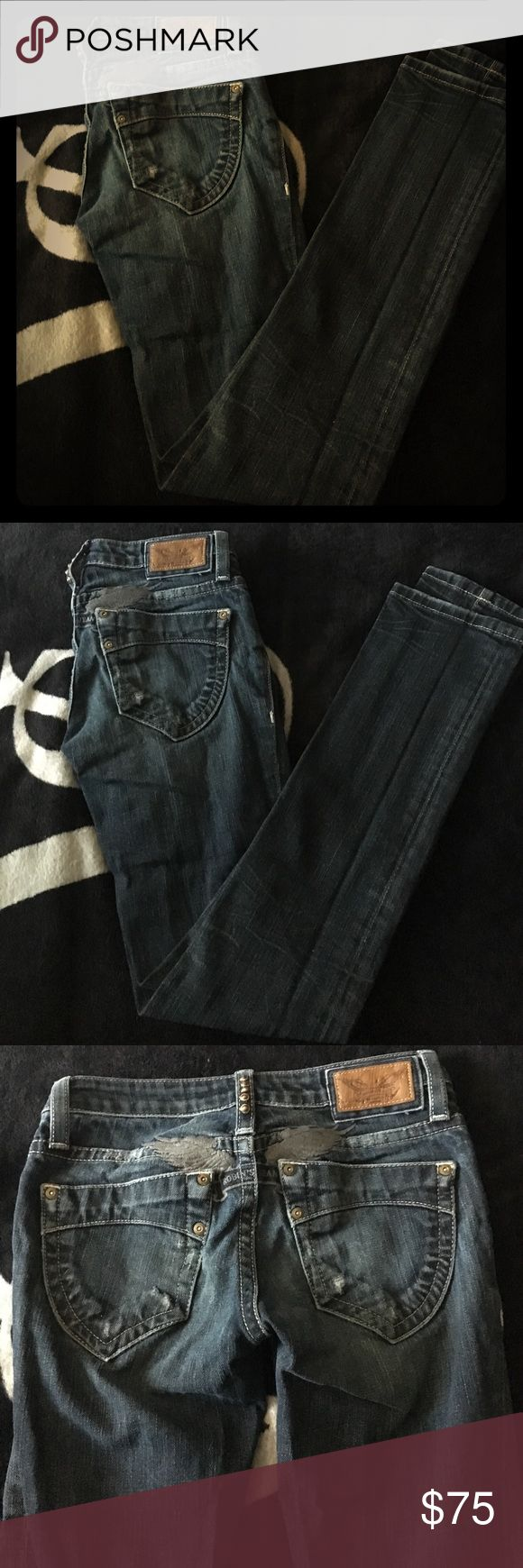 Robin jeans size 24 skinny I have an adorable pair of robin jeans got in Beverly Hills at the Beverly center 100% authentic wonderful condition robins jeans Jeans Skinny