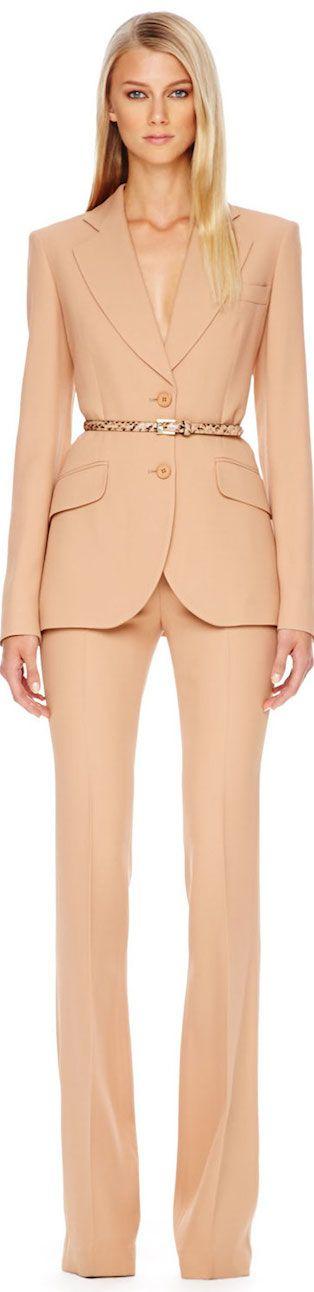 Terno Michael Kors pêssego: lindo e perfeito para o verão, inclusive para usar separado: o blazer com jeans e a calça com outras blusas e casaquetos!