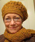 http://wolfcrochet.wordpress.com/2012/09/06/silty-scarf-and-beret/