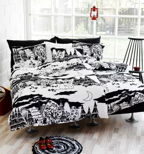 Love the contrast between the floor and the furniture. And, you know it, the Moomin-bedsheets!