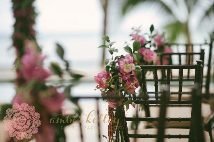 CBD231 wedding Riviera Maya purple and lilac aisle flowers corsage decoration/ decoración floral  para sillas de ceremonia en todo nos lilas y limitados