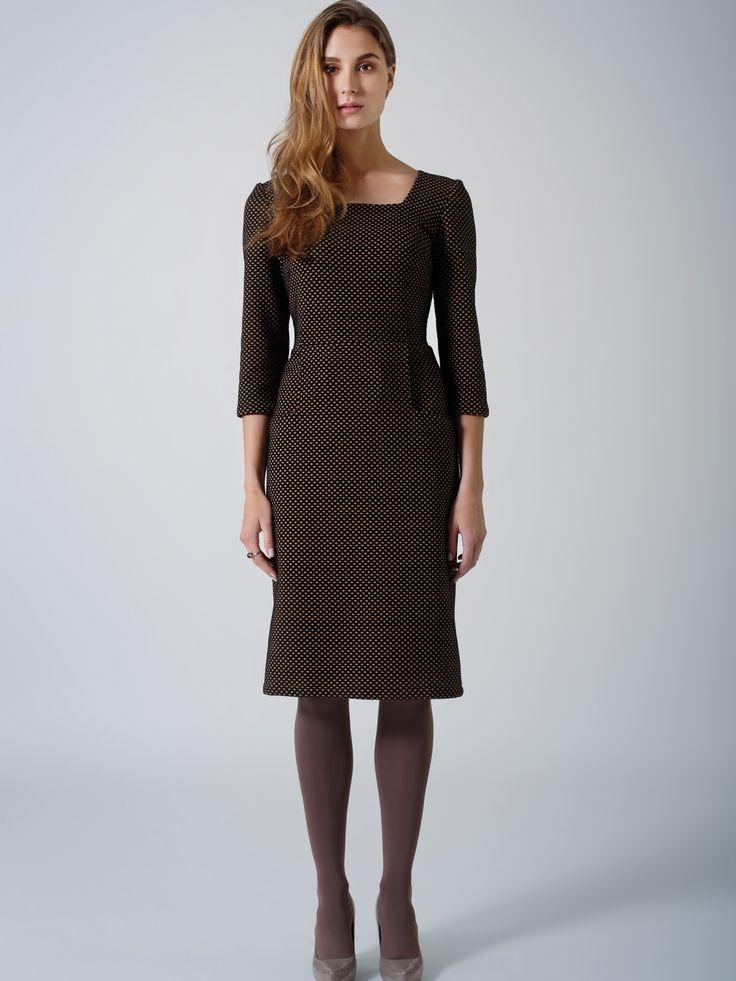 Elegant midi suiting dress / Brown black dots / 3/4 sleeve / beautiful square neckline