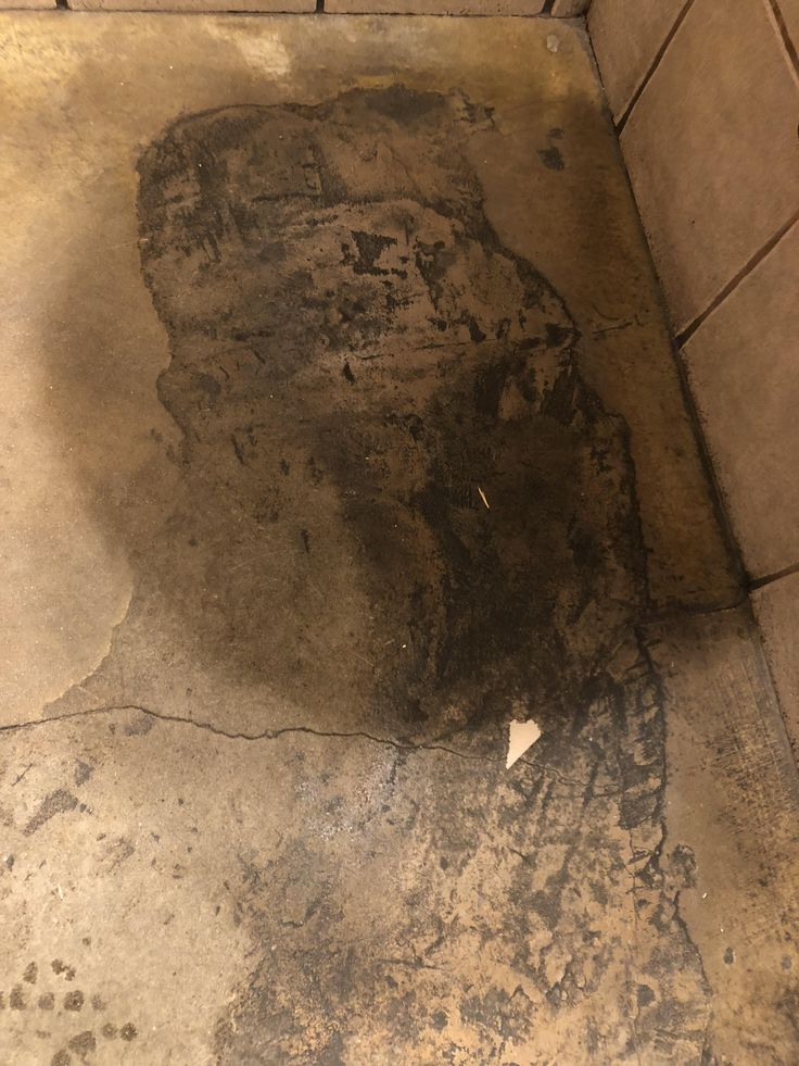 ITAP of a bathroom floor