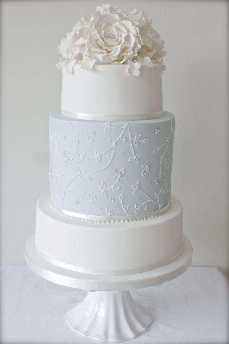 White stuff gateaux apron - Sugary Occasions 2015 Wedding Cake