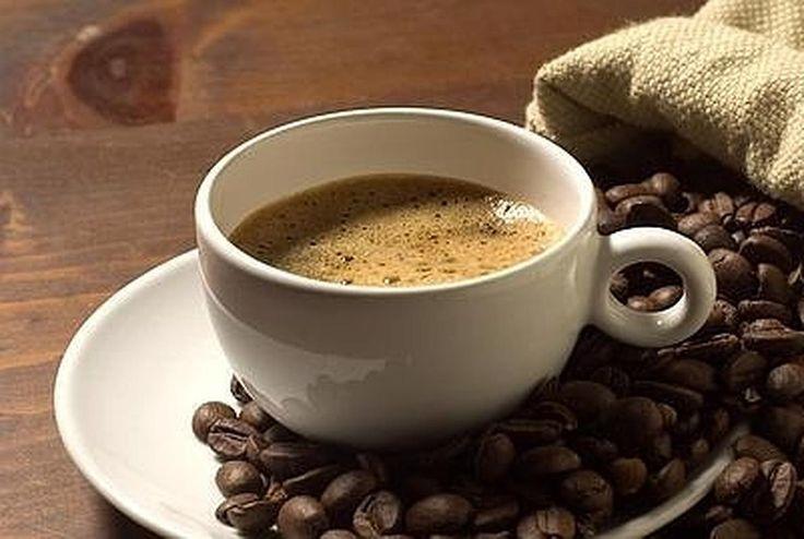 Casi todo el mundo sabe que conviene no tomar un café por la tarde-noche si se quiere conciliar el sueño. Sin embargo, hasta ahora no se conocía por qué la cafeína altera el sueño: la causa de este efecto radica en que afecta a nuestro reloj...