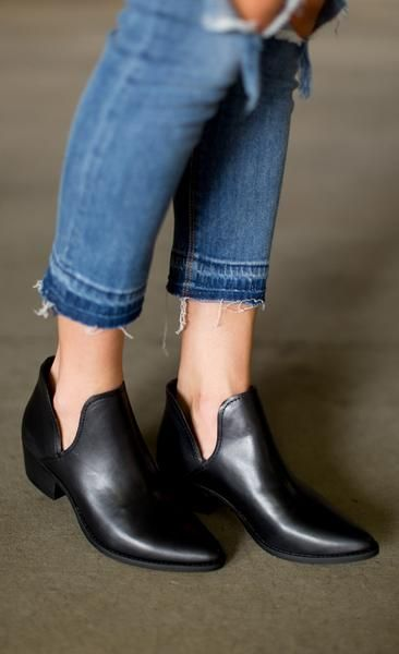 Steve Madden Austin Bootie - Black Leather
