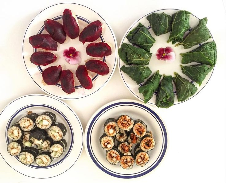 Homemade #sushi with #beets #pumpkin leaves #calamari and other delicious ingredients. #dinner #japanese #dinnerwithfriends #instagood #foodporn #foodphoto #instafood #instasushi #paris #ilovefood #popofcolor #healthyfood #healthyeating #parislife