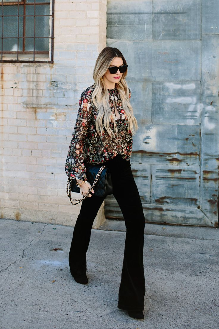 Floral bell sleeved top with black flare pants :: perfect for spring or a casual day