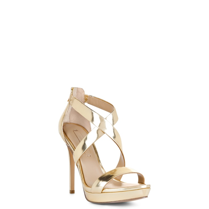 So simple and yet so pretty !: Shoes, Style, Gold Shoe, Dress, Senna Sandal, Sandals, Bcbgmaxazria Senna