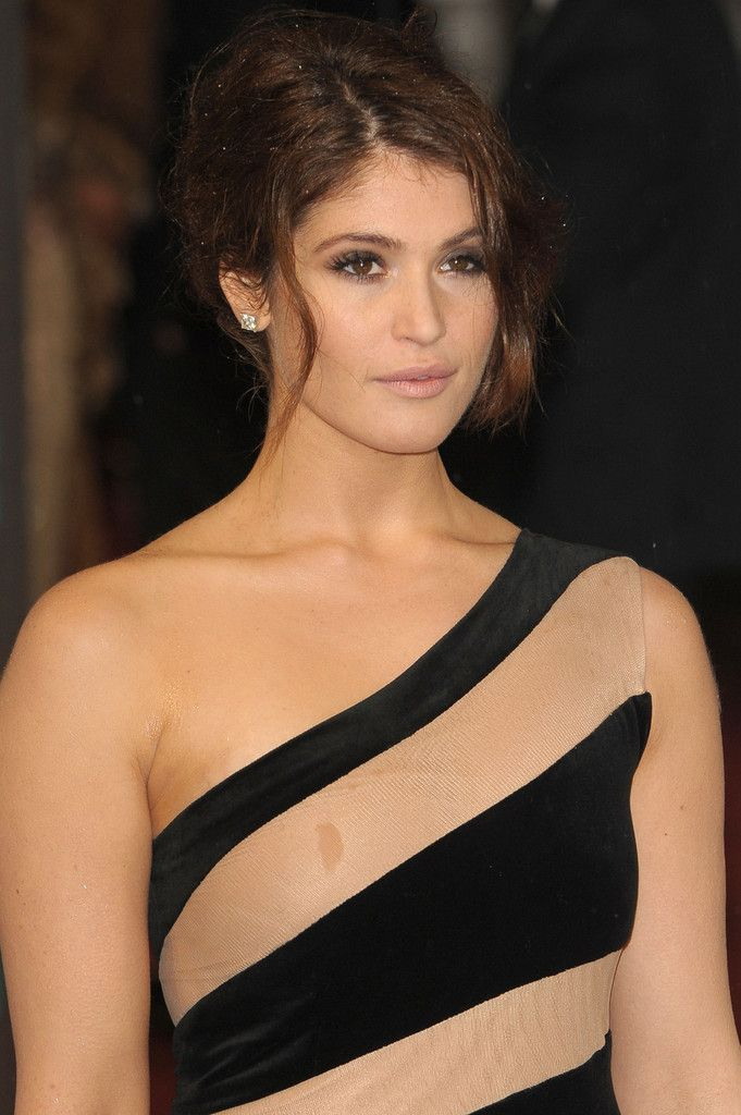 Gemma Arterton is known for her roles in the fantasy films Clash of the Titans (2010), Prince of Persia: The Sands of Time (2010), Byzantium (2013) and as the character Gretel in Hansel and Gretel: Witch Hunters (2013).