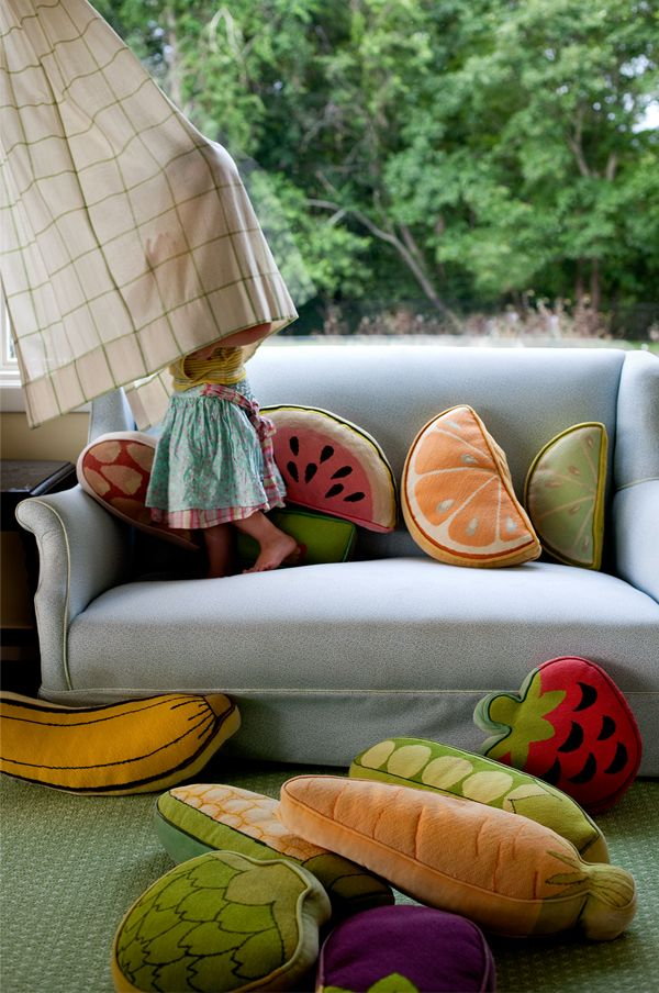 I love these food pillows I saw on Pinterest.  I especially like the orange and watermelon slices - so cute!