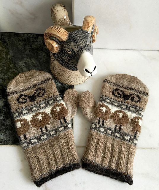 heid sheep on mittens - modified knitting pattern