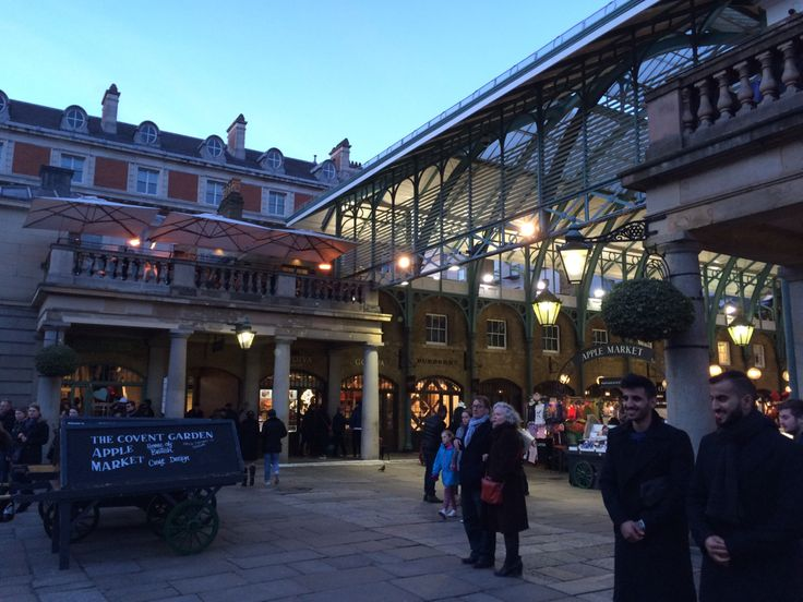 The last hours of the day in London have been spent here, in Covent Garden. A lovely place where we had free time to go shopping or just visiting this district of the capital of England.