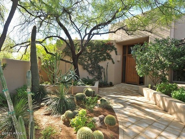 Desert Landscape Las Vegas Real Estate  Laura Bailey  www.lauravegashomes.com  laurabailey@cox.net