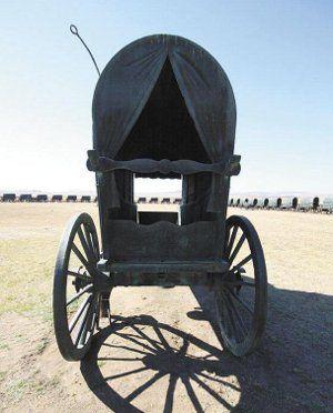 Bloedrivier erfenisterrein - By die verlate veld waar die Slag van Bloedrivier  deur twee groepe mense ervaar is...'n ossewalaer. Bloedrivier. Is daar 'n naam, 'n gebeurtenis in die Afrikaner- geskiedenis wat swaarder as Bloedrivier aan betekenis dra?
