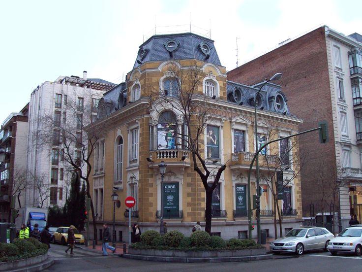 Palacio Saldaña. Calle Ortega y Gasset.