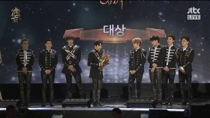#EXO wins 'Album of the Year' for record 4th time in a row at 'Golden Disk Awards' http://www.allkpop.com/article/2017/01/exo-wins-album-of-the-year-for-record-4th-time-in-a-row-at-golden-disk-awards
