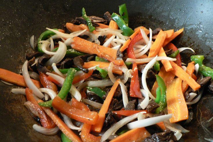 Verduras con espagueti de mar