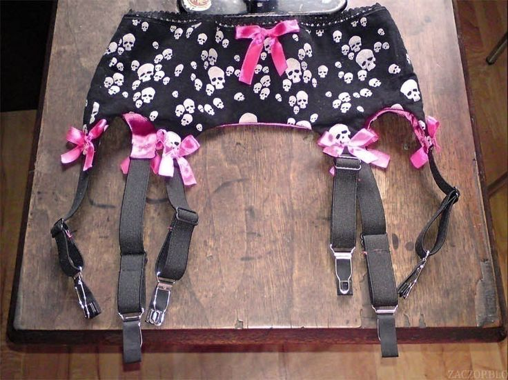 How To Make A Garter Belt... This cracked me up! I used to wear them all the time! THE GOOD OLE DAYS!