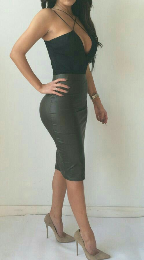 Sexy Night Out Bodysuit And Leather Skirt And Tan Heels