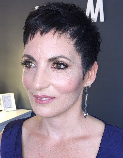 90 classy and simple short hairstyles for women over 50 see best ideas about pixie haircut - Coupe courte femme brune ...