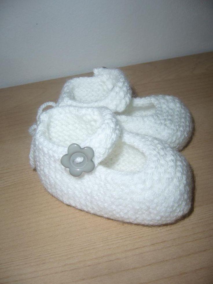 Tricoter des ballerines pour bébé.