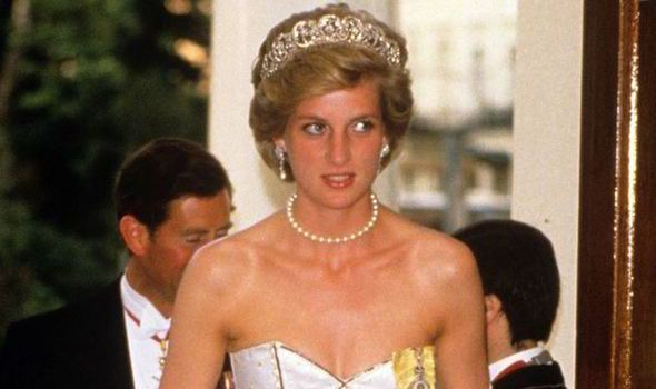 Princess Diana Gowns Photo (C) GETTY IMAGES