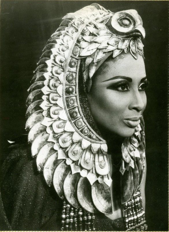 Studio portrait of Barbara Conrad as Amneris in Aida.  Photo credit: Marc Raboy. Photo courtesy of Dolph Briscoe Center for American History, The University of Texas at Austin