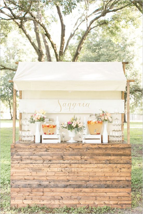 how to create a sangria bar | wedding drinks | pastel wedding | #weddingchicks