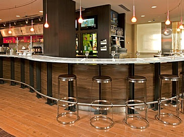 Courtyard Marriott Grand Rapids- Everything you need to plan a great meeting, event or conference! Attached directly to Amway Grand Plaza and Courtyard Marriott by the Skywalk