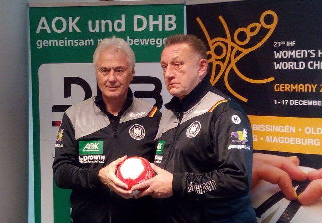 Handball WM 2017 Deutschland: DHB-Pressekonferenz vor dem Beginn der Weltmeisterschaft in Leipzig. Ladies-Bundestrainer Michael Biegler plagen zwei Tage vor dem Eröffnungs-Match gegen Kamerun Verletzungssorgen bei einigen Spielerinnen.