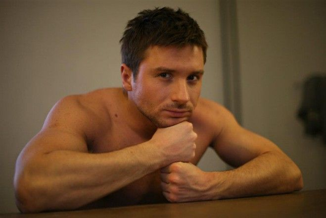 Eurovision 2015 news Vienna: Will Sergey Lazarev fly to Vienna in 2015? Russian superstar has released his latest single Breaking Away on Itunes Russia yesterday. Sergey Lazarev is on