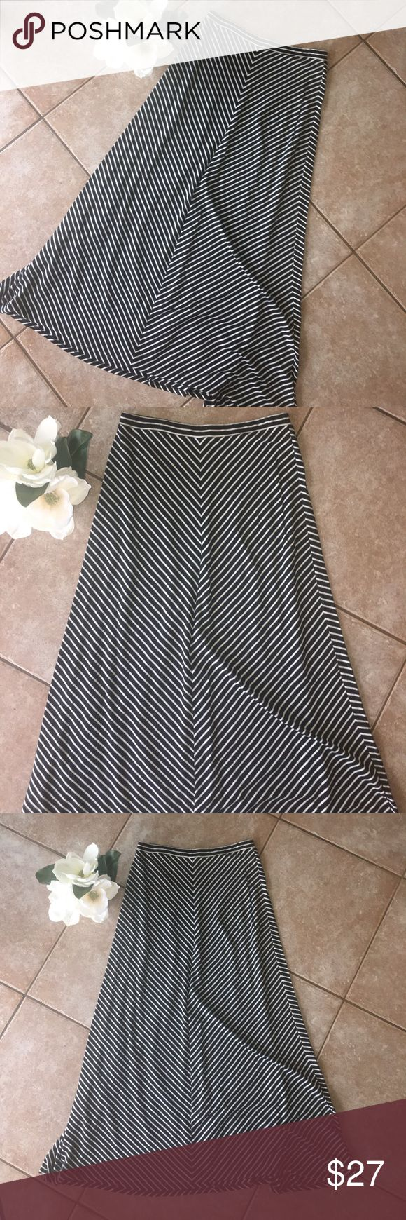 Maxi Skirt - Black and White Lauren Conrad - Gorgeous, stretchy, black and white stripped maxi skirt. Size S , worn maybe once or twice. Feels brand new! Offers welcome! LC Lauren Conrad Skirts Maxi