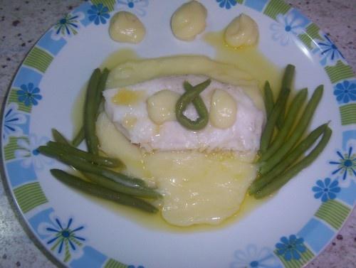 """""""FILETTI DI MERLUZZO CON PUREA  DI  PATATE  E FAGIOLINI"""" ricette bimby - ricette con il bimby - merluzzo, filetti di merluzzo, pesce, fagiolini,patate, purè di patate, purea di patate, piatto unico"""