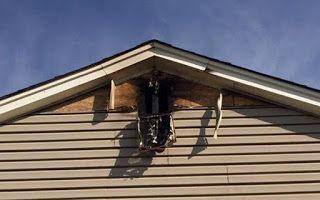 Πώς είναι ένα σπίτι που το έχει χτυπήσει κεραυνός [photos]