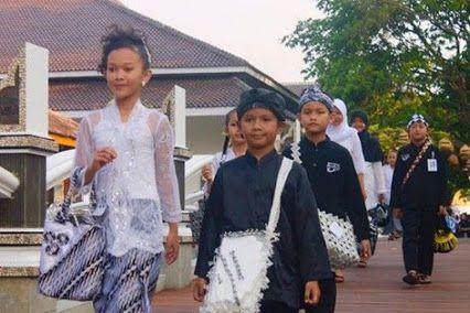 Pelajar Purwakarta Wajib Pakai Tas Daur Ulang. #dedimulyadi