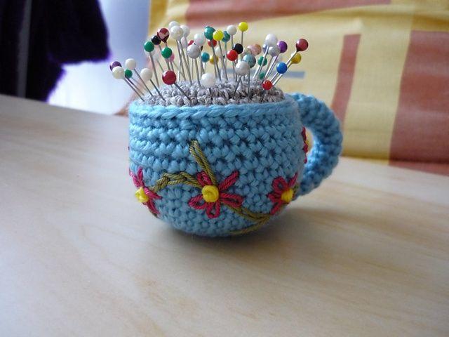 Amigurumi Tea Cup Pincushion, free pattern by Lion Brand Yarn ❥Teresa Restegui…