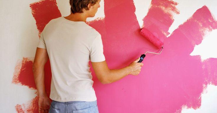 ¿Cómo aclaro un color de pintura luego de haber pintado?. Aclarar un color de pintura una vez que pintaste implica un poco de ingenio. Las técnicas de vidriado y acabado falso proporcionan alternativas para repintar completamente la superficie. Un lavado también puede suavizar el tono. Otras opciones incluyen aclarar la pintura existente antes de aplicar una segunda capa. Reúne algunas cubetas vacías y ...